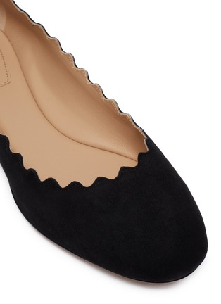 Detail View - Click To Enlarge - CHLOÉ - 'Lauren' suede scalloped flats