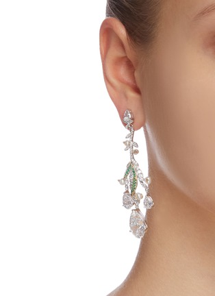 Figure View - Click To Enlarge - ANABELA CHAN - 'Lily of the valley' diamond earrings