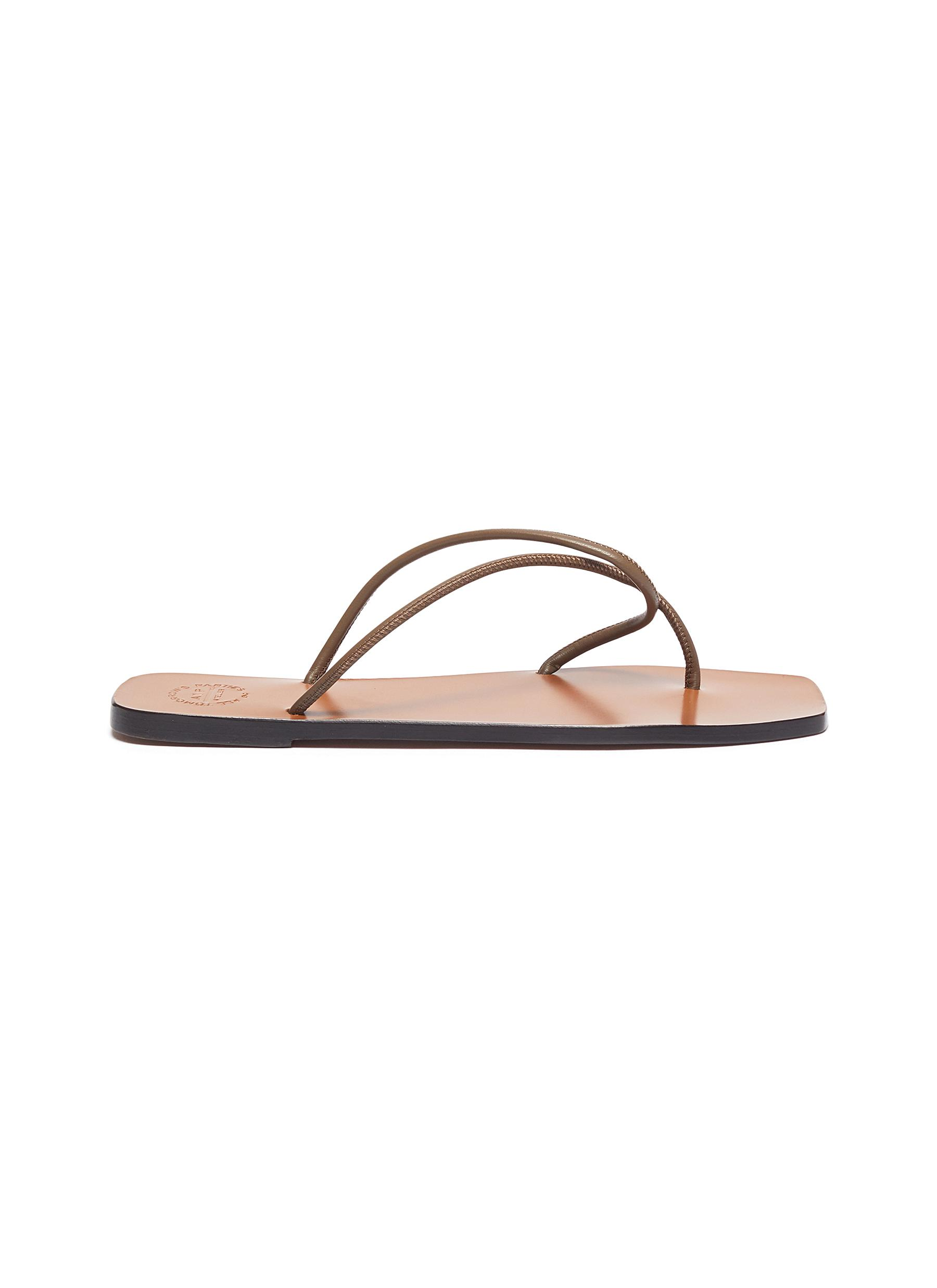 Atp Atelier Flats Alessano twisted toe thong flat leather sandals