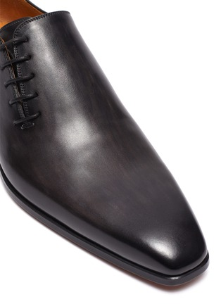 Detail View - Click To Enlarge - MAGNANNI - SLANT LACE-UP LEATHER OXFORDS