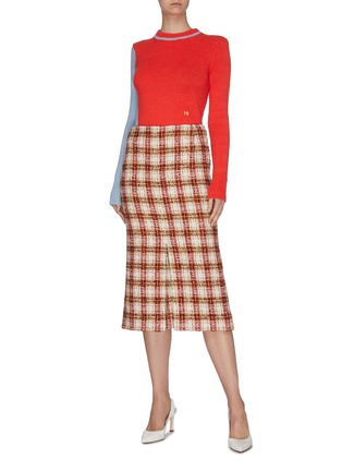 Figure View - Click To Enlarge - VICTORIA BECKHAM - Asymmetric colourblock wool-alpaca blend crop sweater