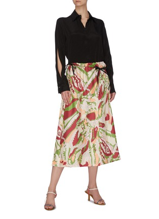 Figure View - Click To Enlarge - VICTORIA BECKHAM - Abstract print back pleat silk wrap skirt