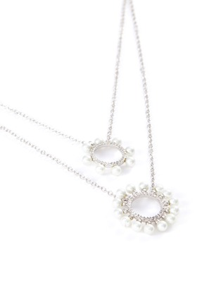 Detail View - Click To Enlarge - CZ BY KENNETH JAY LANE - Cubic Zirconia Pearl Burst Circle Double Layer Necklace