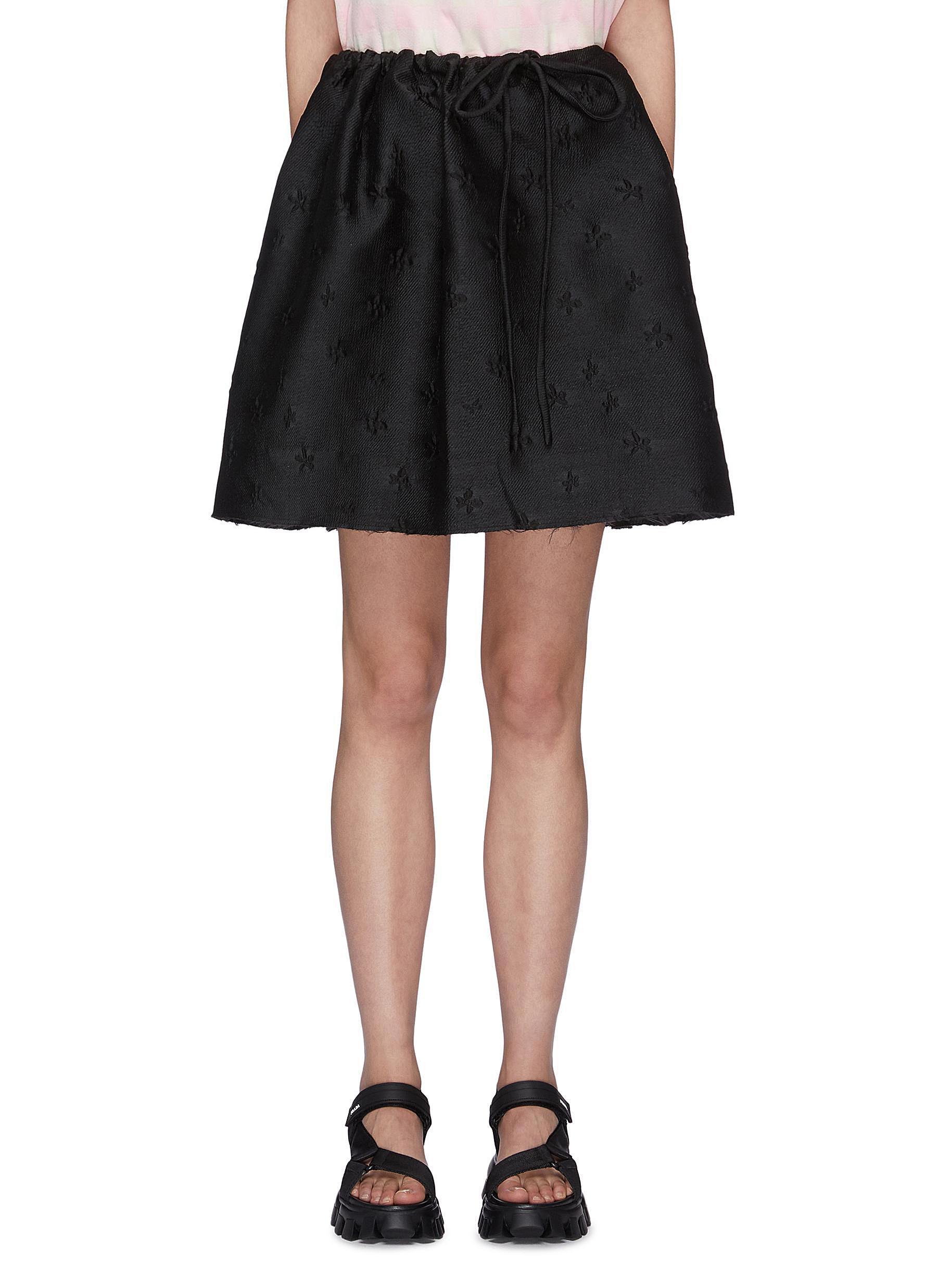 shop Shushu/Tong Mini Bow Front Floral Embroidered Skirt online
