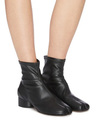 Figure View - Click To Enlarge - MAISON MARGIELA - 'Tabi' leather ankle boot