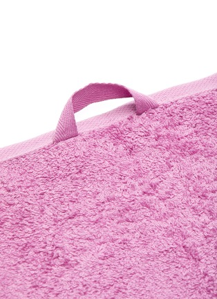Detail View - Click To Enlarge - TEKLA - Organic Cotton guest towel – Magenta