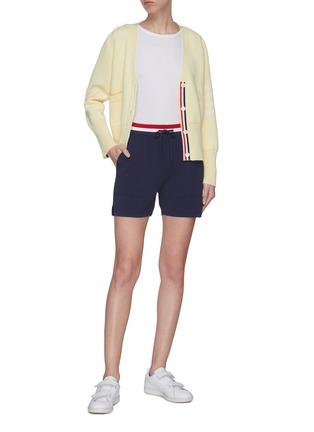 Figure View - Click To Enlarge - THOM BROWNE - Tricolour waistband pin tuck shorts