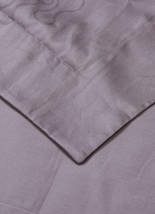 Detail View - Click To Enlarge - ANDRÉ FU LIVING - Mid Century Rhythm Cotton Sateen Pillowcase Set – Grape Mauve
