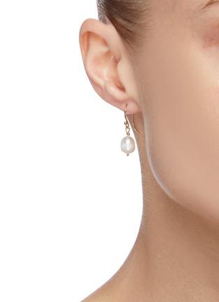 Figure View - Click To Enlarge - HOLLY RYAN - Shepherds hook pearl 9k gold earrings