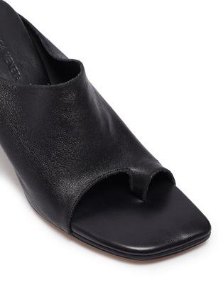 Detail View - Click To Enlarge - BOTTEGA VENETA - Runway toe leather mules