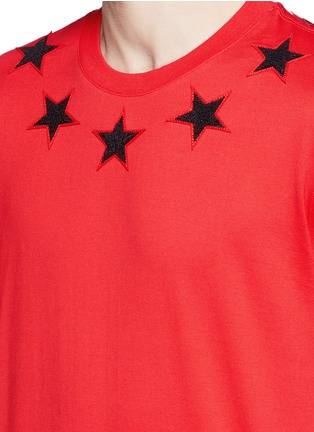 Detail View - Click To Enlarge - Givenchy - '74' print star patch T-shirt
