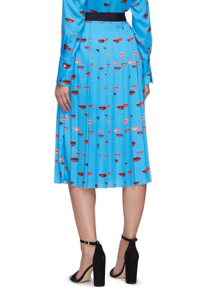 Back View - Click To Enlarge - VICTORIA, VICTORIA BECKHAM - Lips print pleated midi skirt