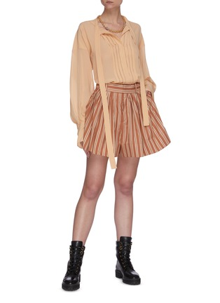 Figure View - Click To Enlarge - CHLOÉ - Pinstripe slit side shorts