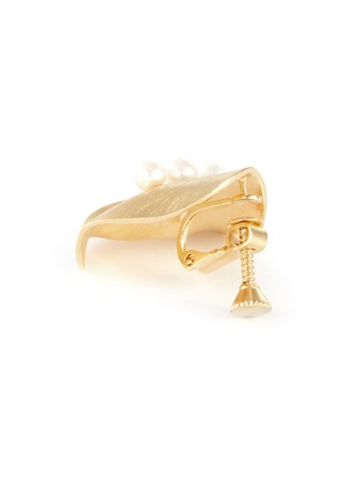 Detail View - Click To Enlarge - OLIVIA YAO - Freshwater pearl gold plated scallop stud clip earrings