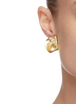 Figure View - Click To Enlarge - OLIVIA YAO - Freshwater pearl gold plated scallop stud clip earrings