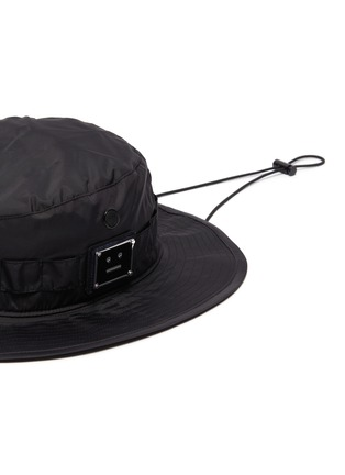 Detail View - Click To Enlarge - ACNE STUDIOS - Plaque face patch bucket hat