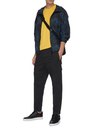 Figure View - Click To Enlarge - THEORY - 'Wilmar' drawstring waist cargo poplin pants
