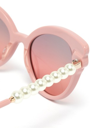 Detail View - Click To Enlarge - LELE SADOUGHI - Chelsea' pearl temple cat eye sunglasses