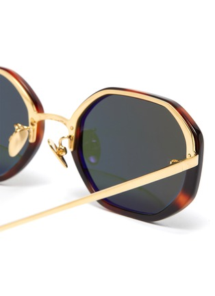 Detail View - Click To Enlarge - LINDA FARROW VINTAGE - Tortoiseshell effect acetate frame metal temples oval sunglasses