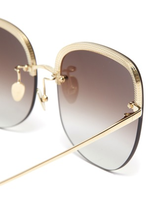 Detail View - Click To Enlarge - LINDA FARROW VINTAGE - Oversized cat eye sunglasses