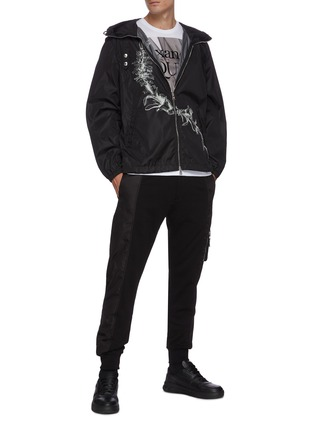 Figure View - Click To Enlarge - ALEXANDER MCQUEEN - Side pocket nylon jogging pants