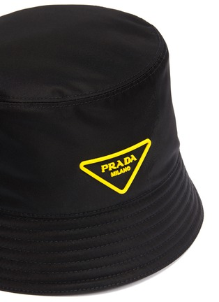 Detail View - Click To Enlarge - PRADA - Rubber triangle logo bucket hat
