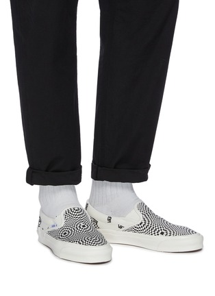 Figure View - Click To Enlarge - VANS - OG Classic slip-on LX canvas shoes