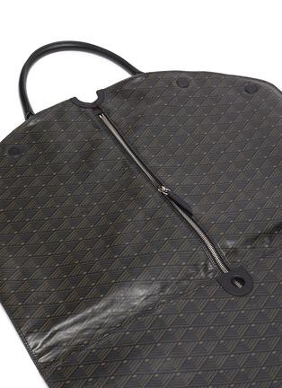 Detail View - Click To Enlarge - MÉTIER - Closer' Leather garment bag