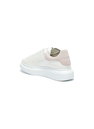 Detail View - Click To Enlarge - ALEXANDER MCQUEEN - 'Oversized sneaker' with suede tab