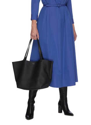 Figure View - Click To Enlarge - THE ROW - 'Park' leather tote