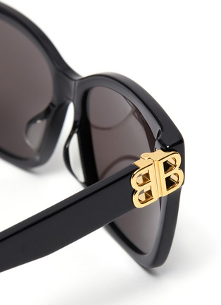Detail View - Click To Enlarge - BALENCIAGA - BB logo embellished acetate frame oversized sunglasses