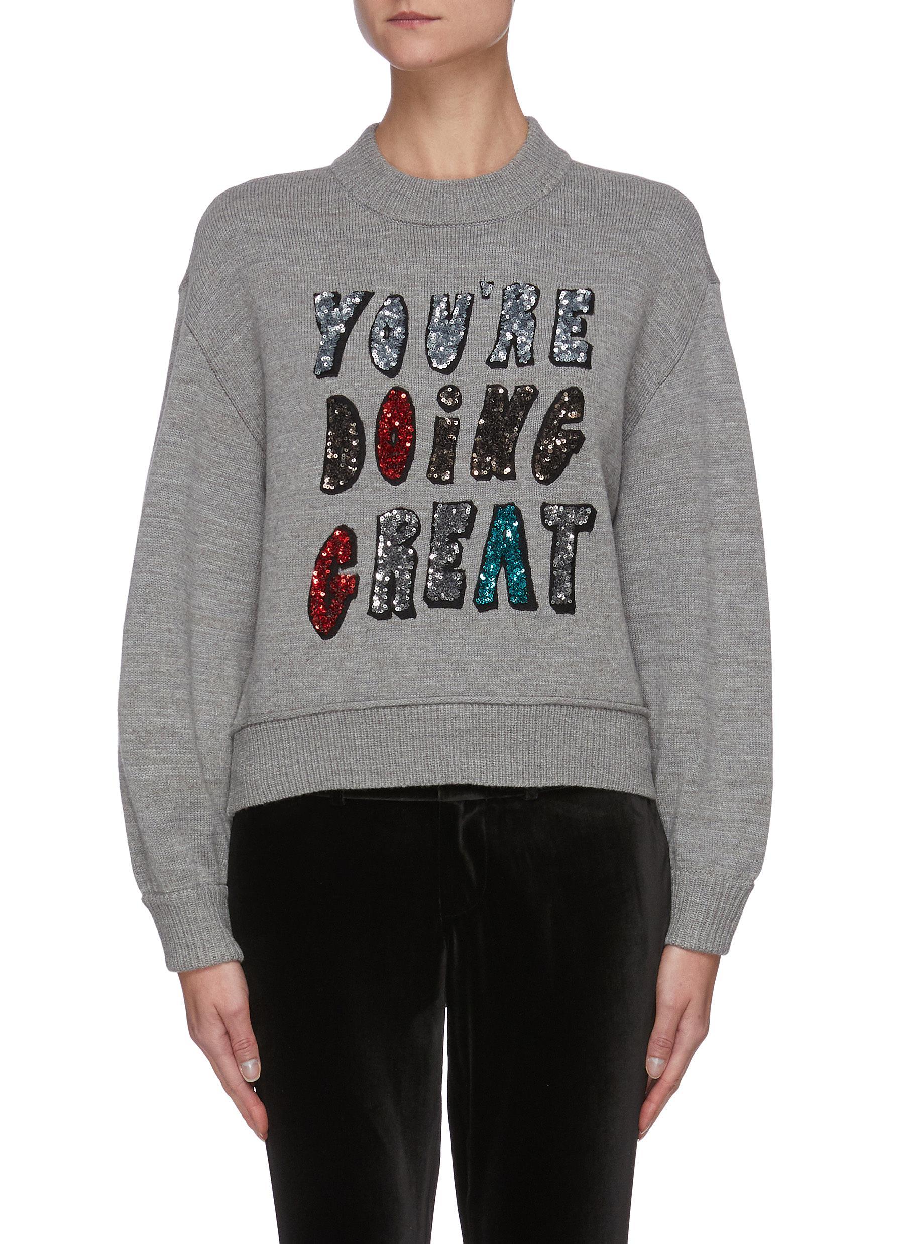 DENVER' Sequin Embellished Slogan Sweater - ALICE + OLIVIA - Modalova