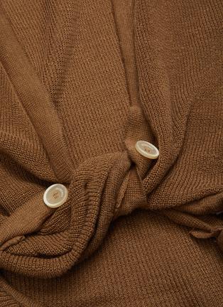 - JACQUEMUS - 'Le Haut Noue' front tie sleeveless knit top