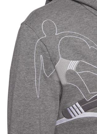 - THOM BROWNE - Embroidered surfer motif stripe sleeve hoodie