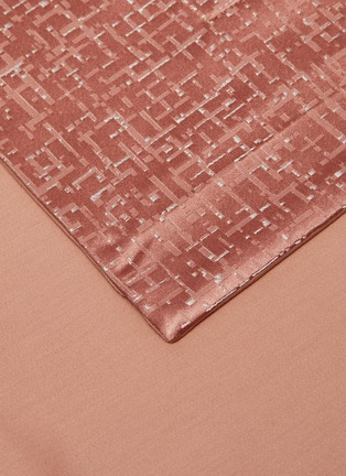 Detail View - Click To Enlarge - FRETTE - Glowing Weave Queen Size Duvet Set – Peach Rose