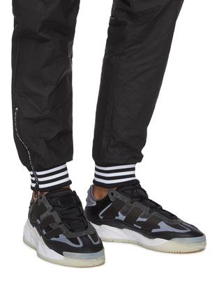 black chunky sneakers men