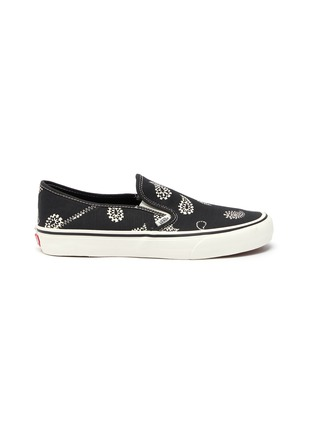 Main View - Click To Enlarge - VANS - 'Slip-On SF' paisley print loafers