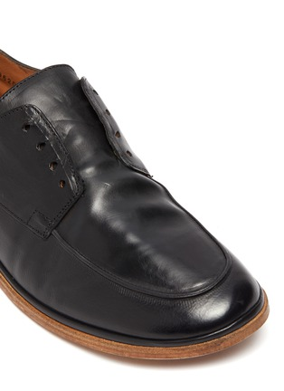 Detail View - Click To Enlarge - ANTONIO MAURIZI - 'TODI' Laceless Leather Derby Shoes