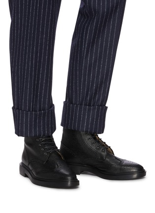 Figure View - Click To Enlarge - THOM BROWNE - Wingtip' Tricolour Heel Tab Leather Boots