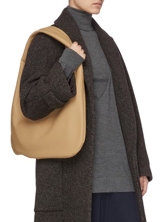 Figure View - Click To Enlarge - THE ROW - Everyday' grained leather shoulder bag