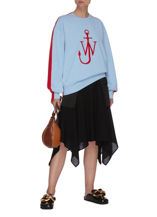Figure View - Click To Enlarge - JW ANDERSON - Asymmetric Drape Hem Midi Cargo Skirt