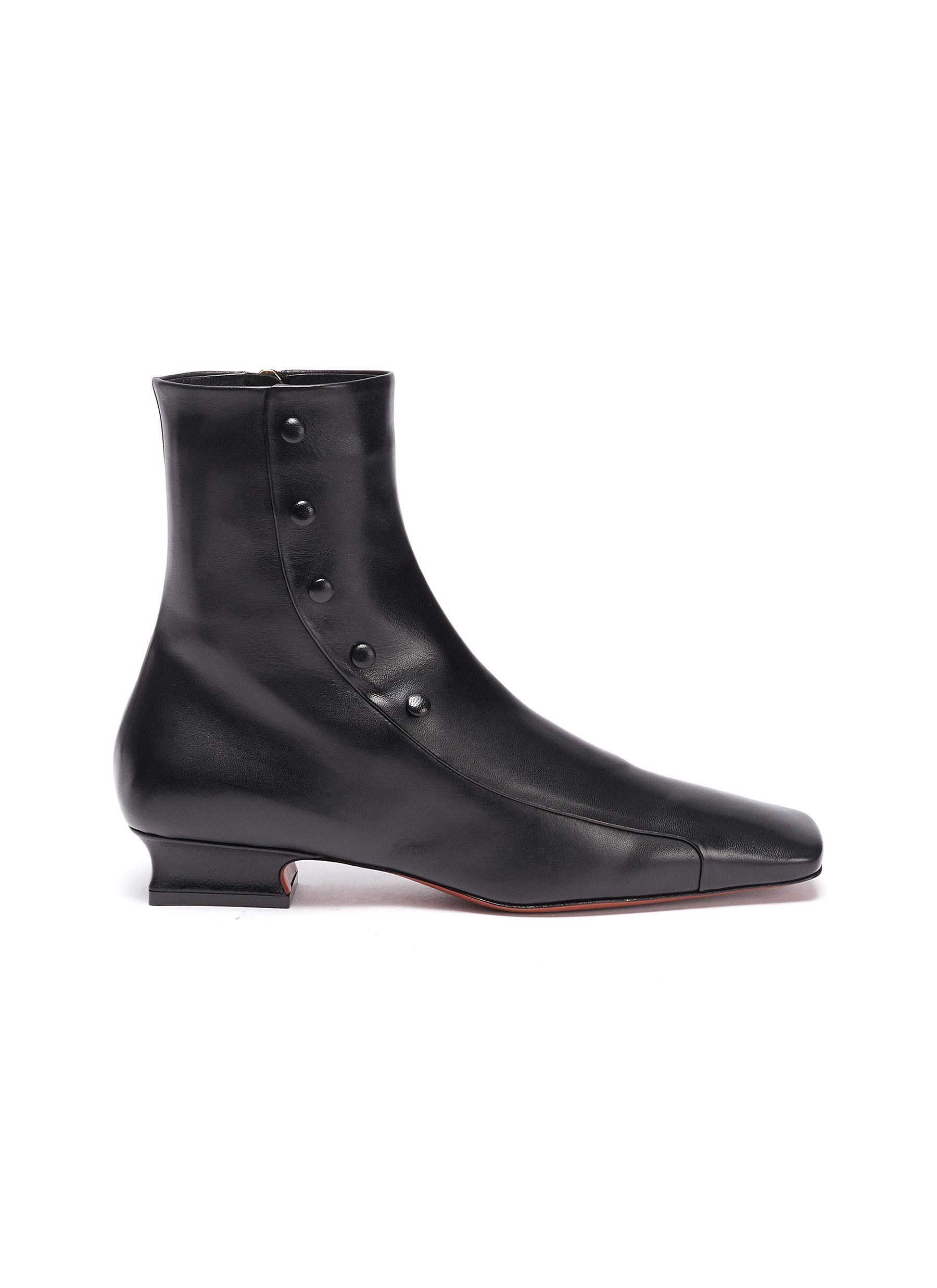 Manu Atelier 'DUCK' BLOCK HEEL BUTTON LEATHER ANKLE BOOTS