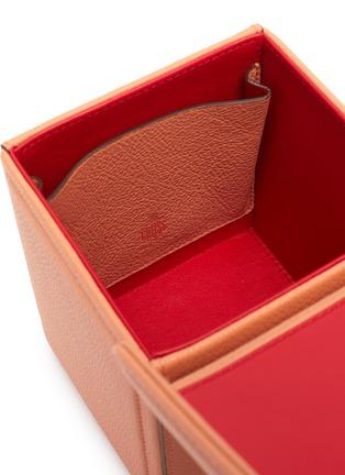 - MARK CROSS - 'Grace Cube' Logo Engraved Plaque Leather Box Bag