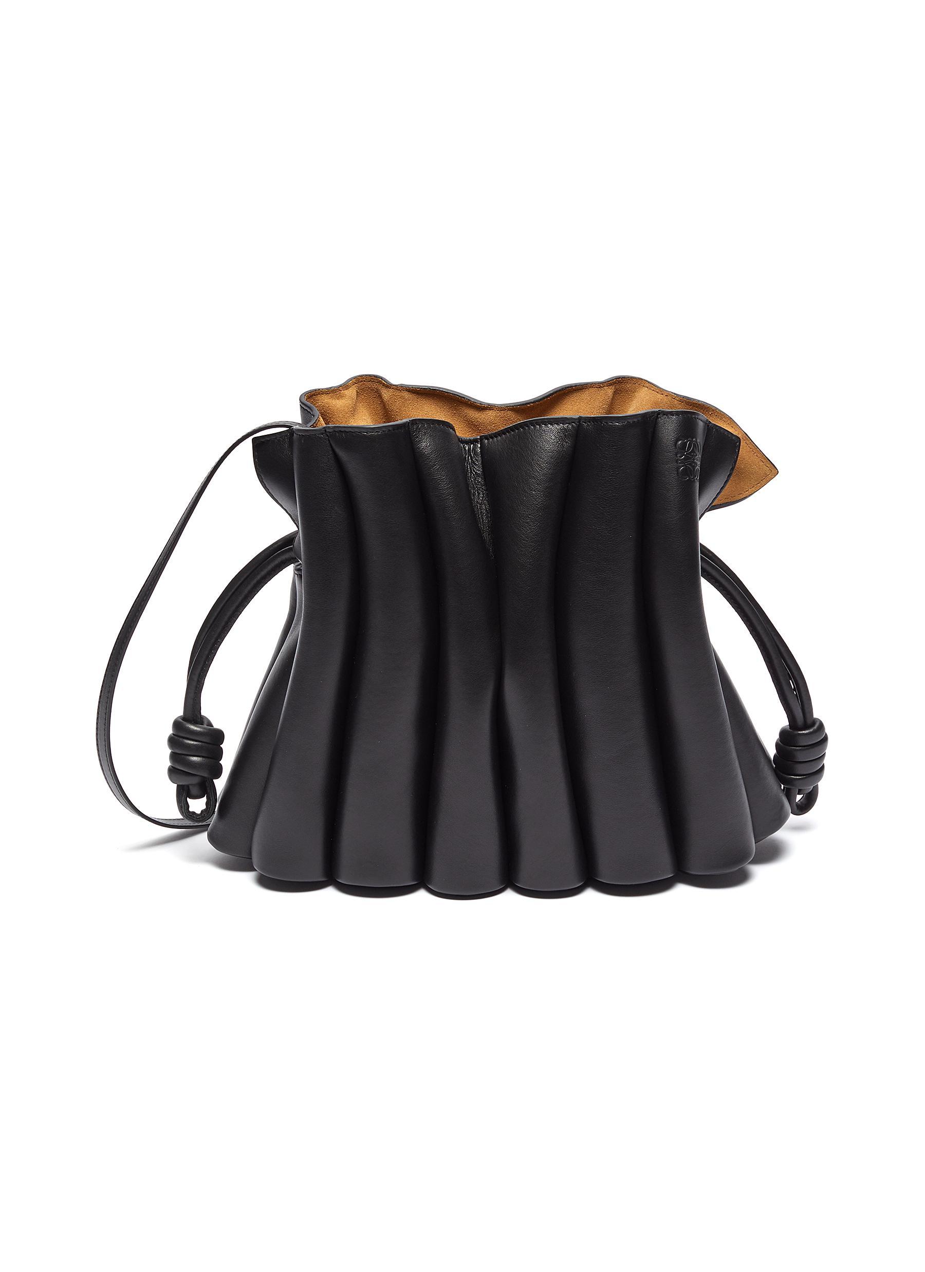 Flamenco Ondas' Pleated Drawstring Leather Clutch