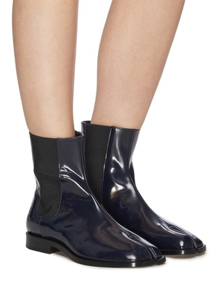 Figure View - Click To Enlarge - MAISON MARGIELA - Tabi' flat patent leather Chelsea boots