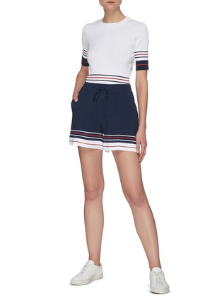 Figure View - Click To Enlarge - THOM BROWNE - Double cricket stripe shorts