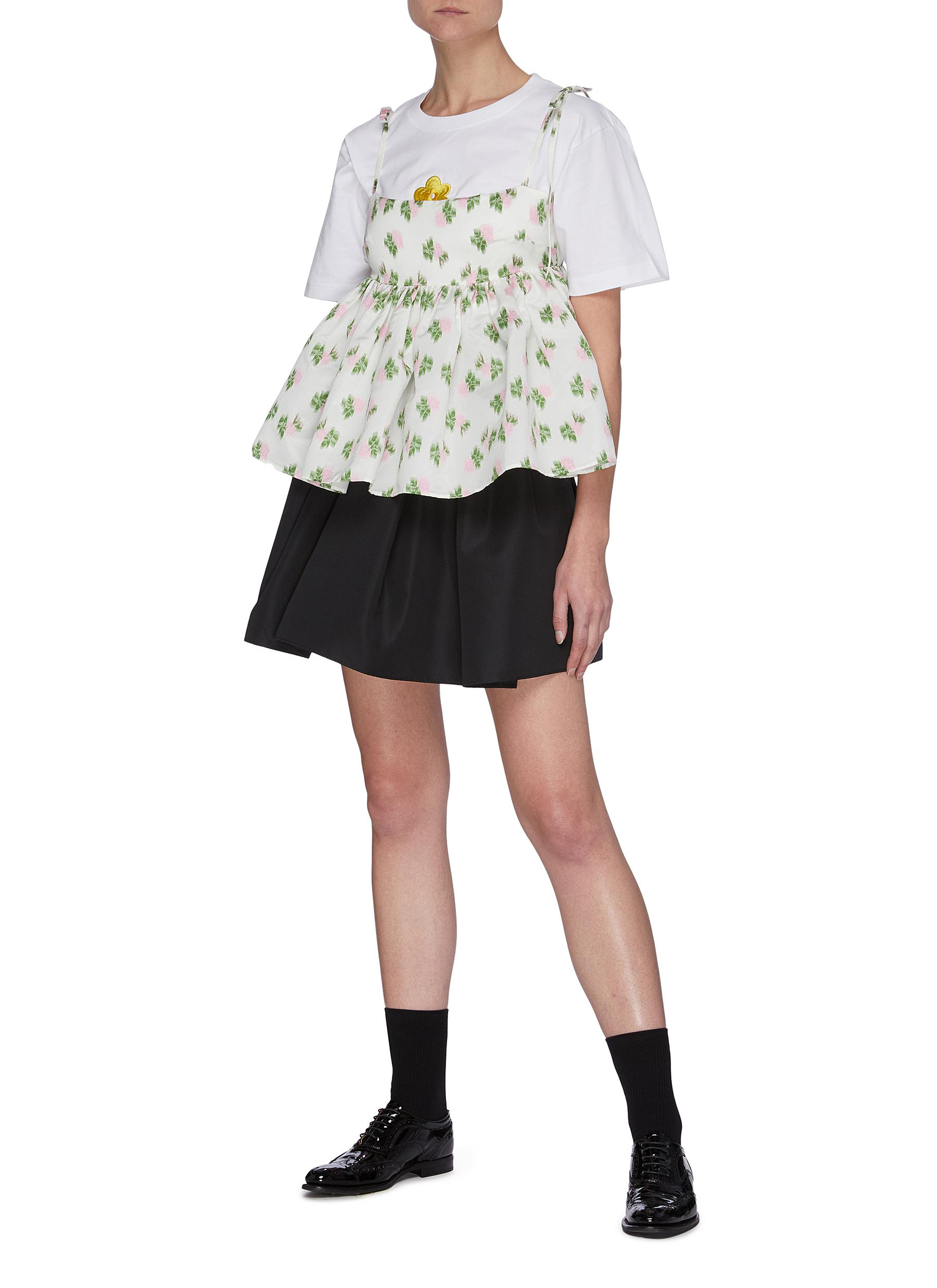 SHUSHU-TONG T-shirts EMBROIDERED FLOWER CREWNECK T-SHIRT