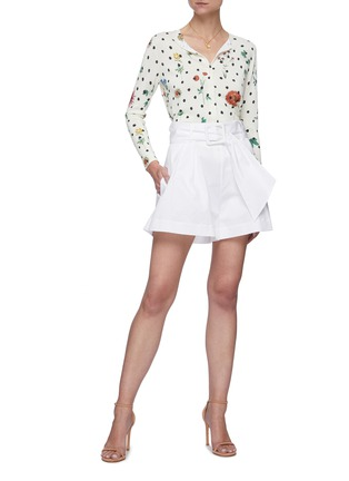Figure View - Click To Enlarge - OSCAR DE LA RENTA - Belted pleat shorts