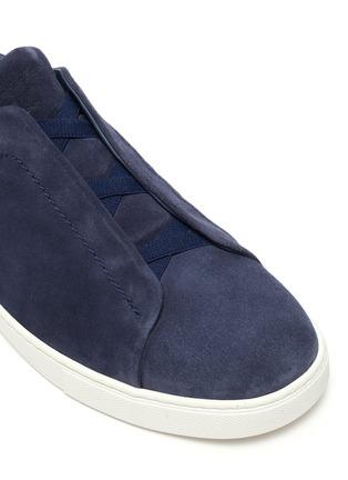 Detail View - Click To Enlarge - ERMENEGILDO ZEGNA - Triple stitch suede sneakers
