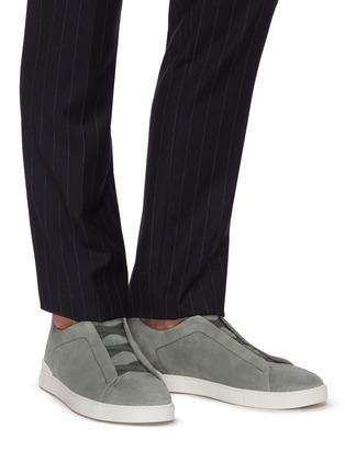 Figure View - Click To Enlarge - ERMENEGILDO ZEGNA - Triple stitch suede sneakers